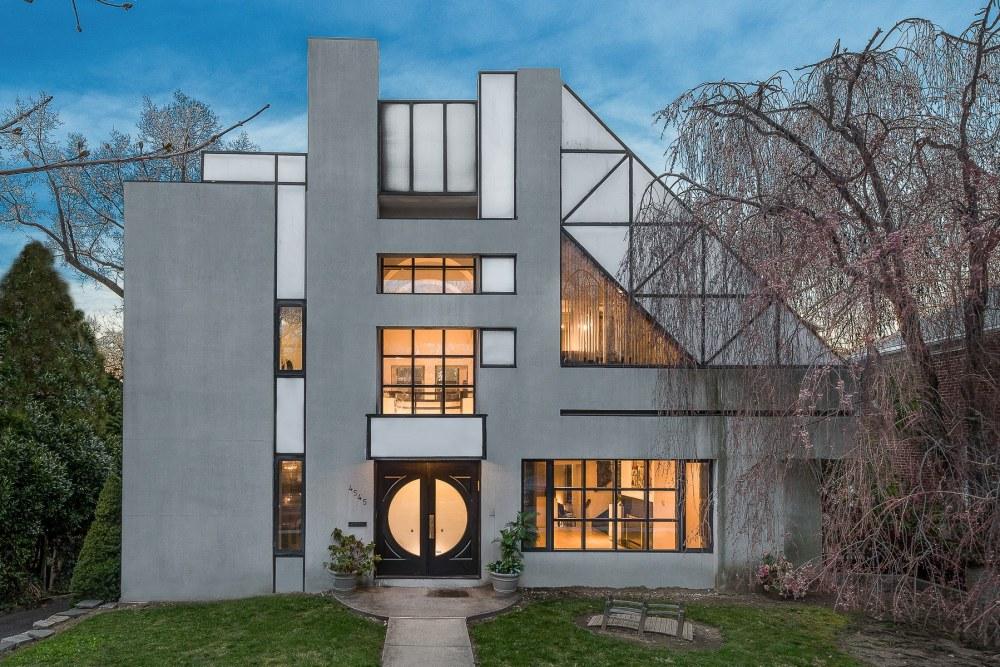 Arsitektur Postmodern Karakter