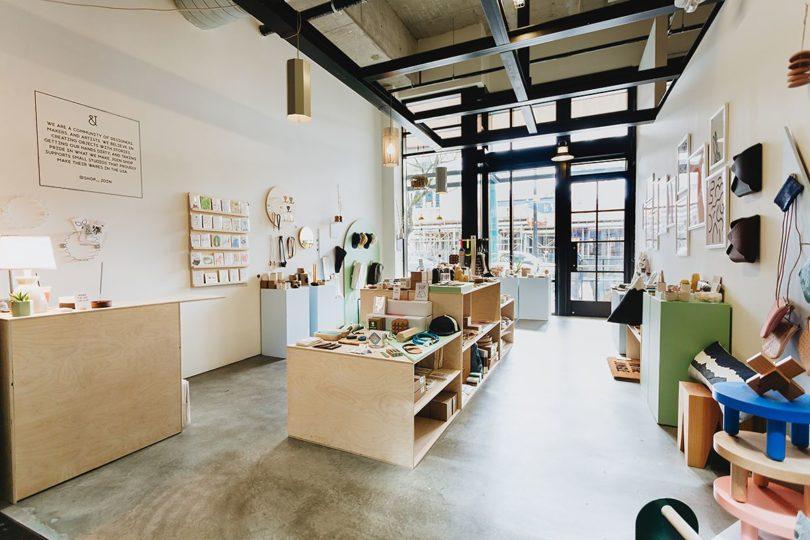 Display desain toko kecil