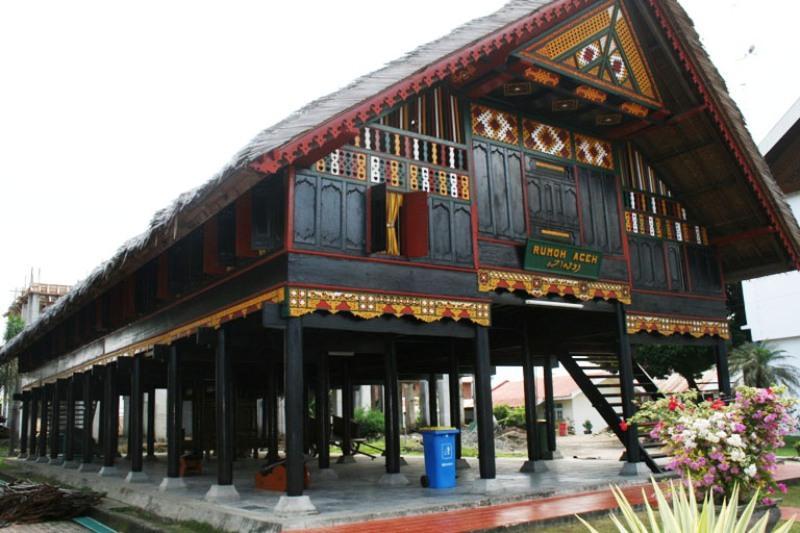 910+ Gambar Rumah Adat Aceh Krong Bade HD
