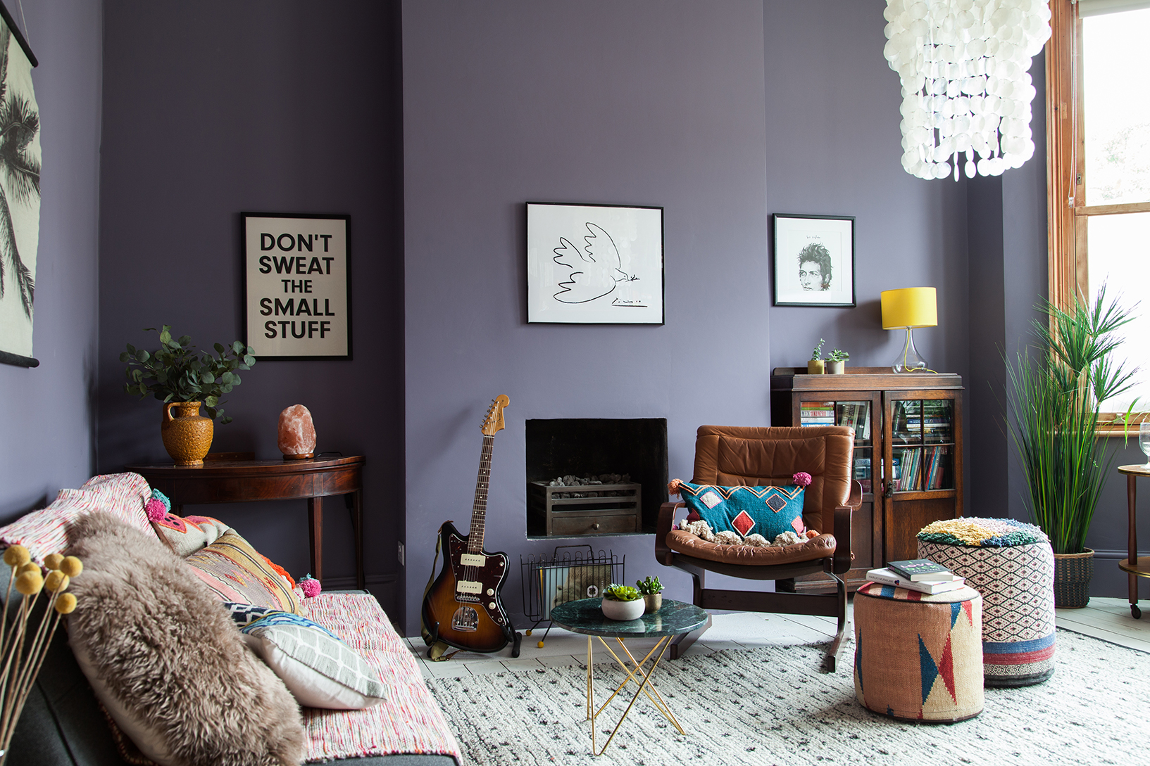 53+ Gambar Warna Cat Ruang Tamu Rumah Papan