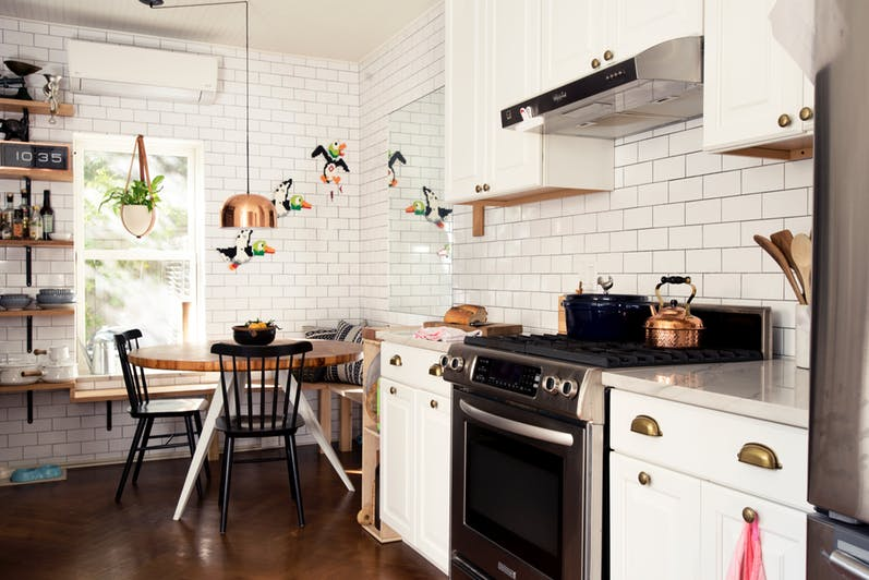 7 Warna Keramik Dapur Paling Pas Untuk Dapur Impian