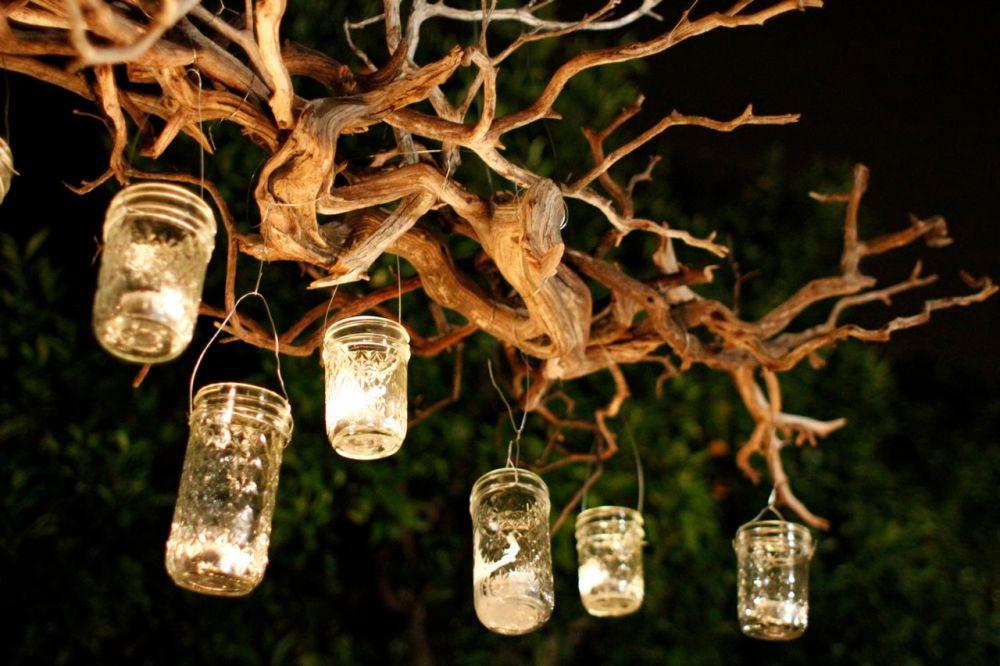 Lampu Taman Berupa Lentera Mason Jar