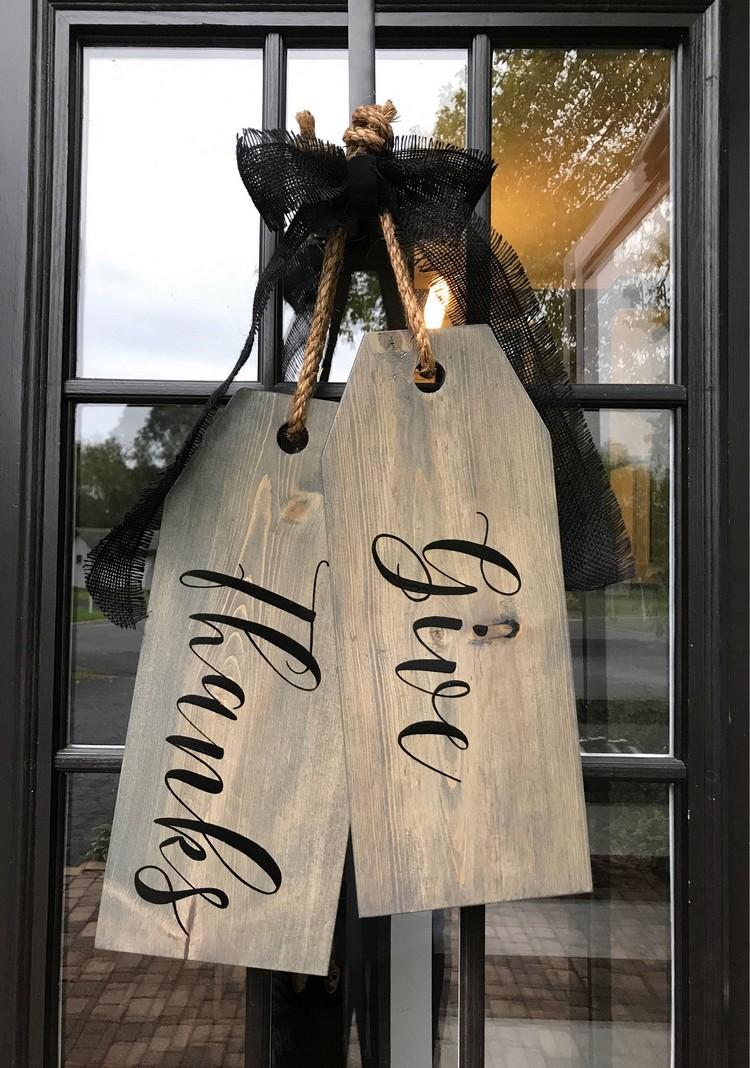 Hiasan Pintu Wooden Tag