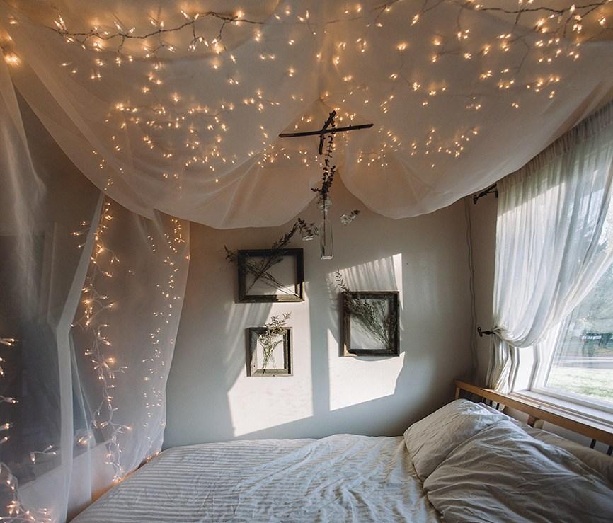 Desain Kamar Tidur Lampu Tumblr mau punya kamar tumblr yang manis miliki 9 item ini