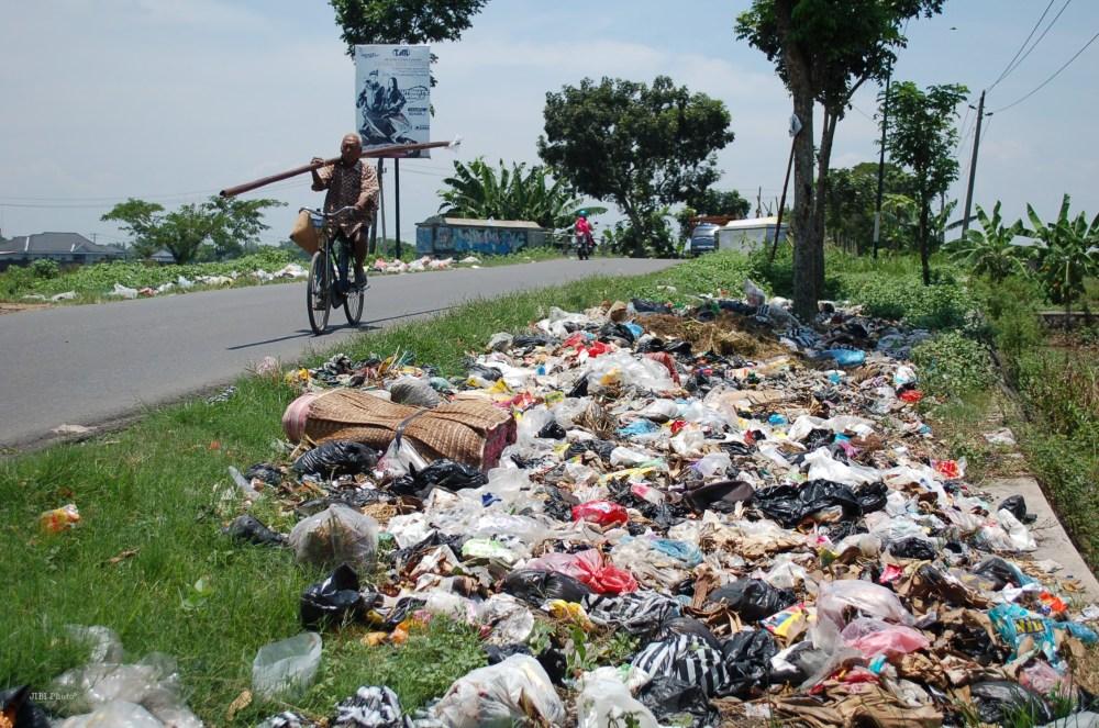 Rumah Tidak Sehat Sampah