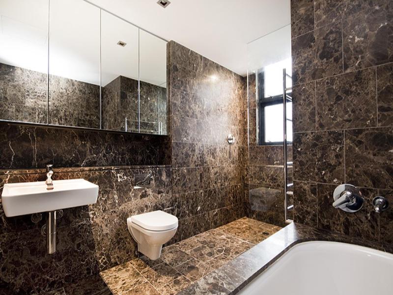 Desain kamar mandi batu alam granit
