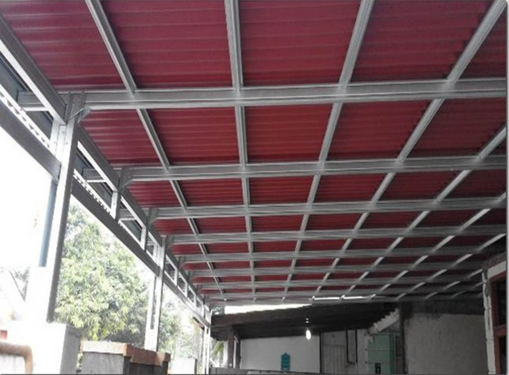 Atap go green merah untuk kanopi rumah