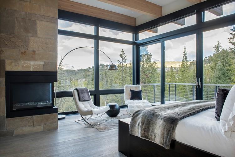 Desain Kamar Tidur Kecil 3x3  7 ide dinding kaca cantik ini bisa buat interior kelihatan