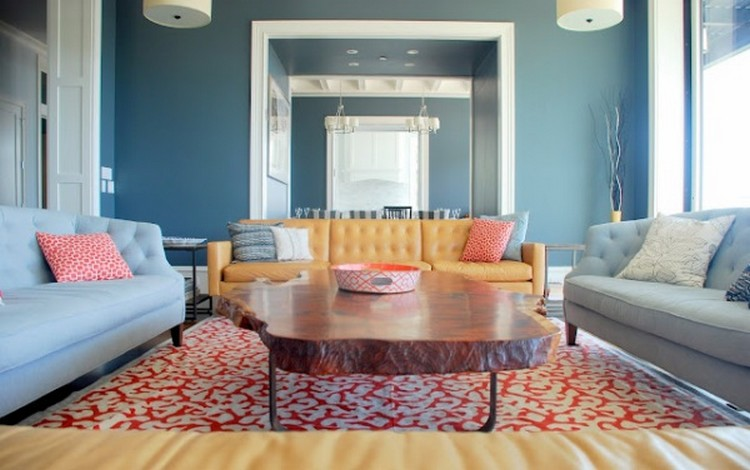 Interior warna biru dengan aksen warna salem