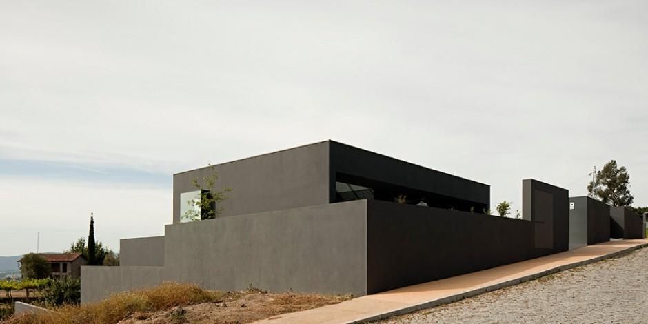 Rumah Kontemporer dengan Wajah Minimalis
