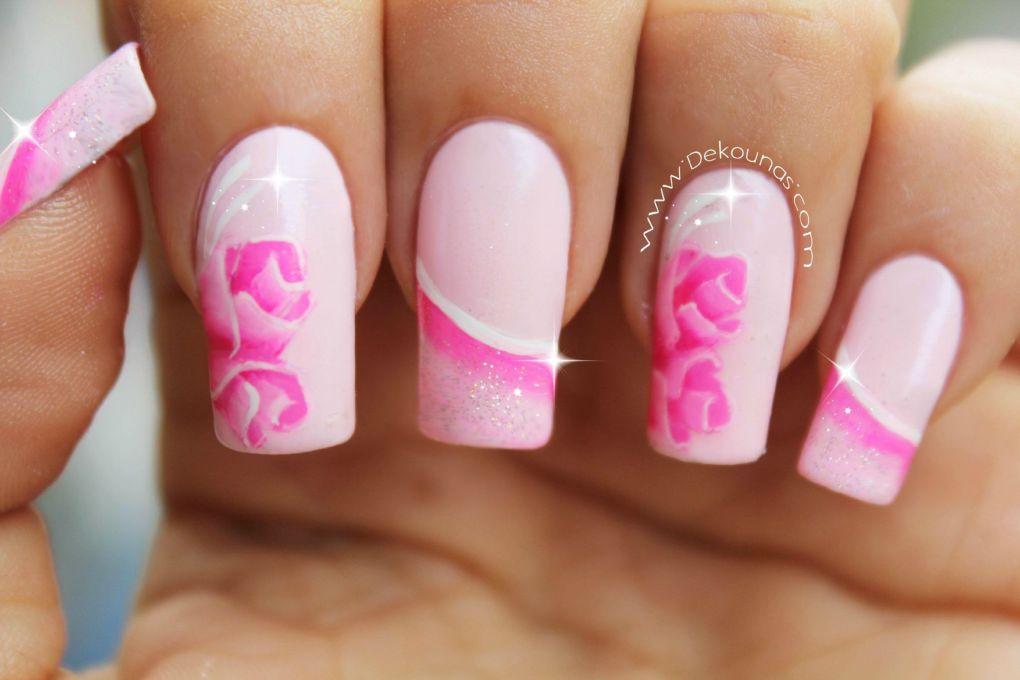 Decoración de uñas rosas1