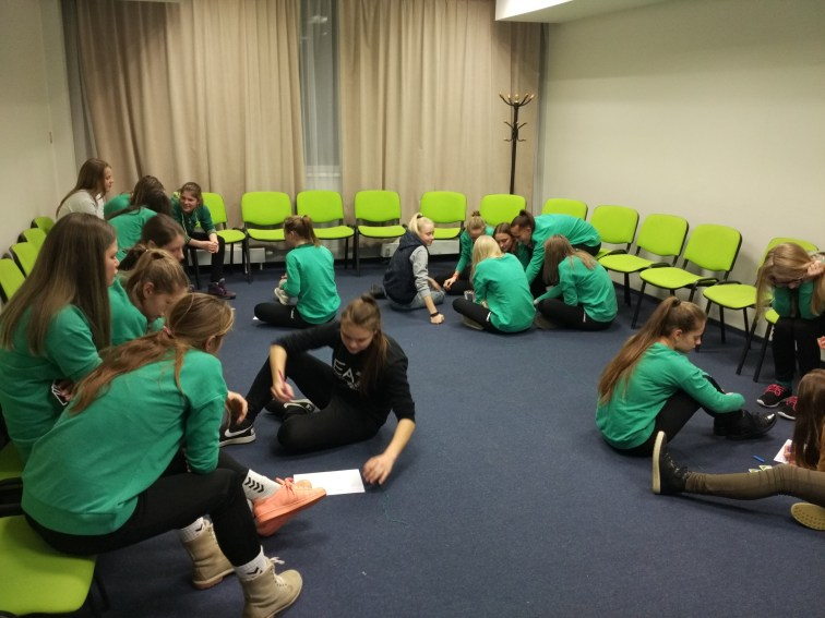 Moments of the sport psychology workshop with young football players.