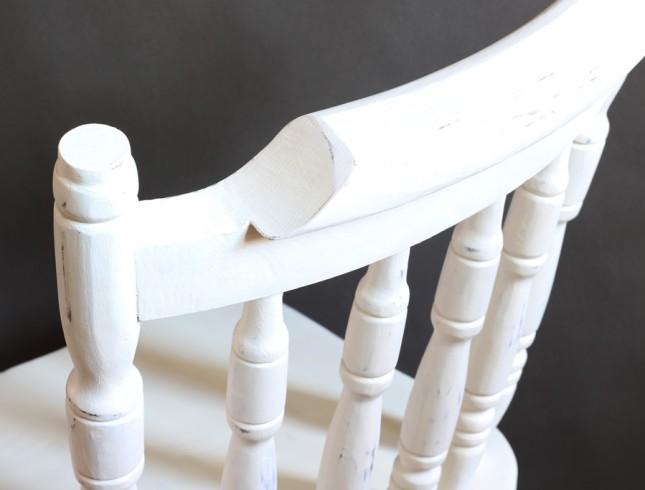 Solidne dębowe krzesło farby kredowe