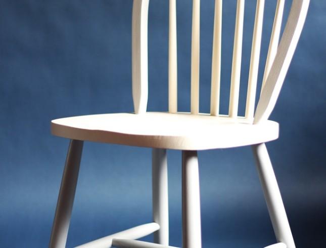 Drewniany stół i 4 krzesła farby kredowe