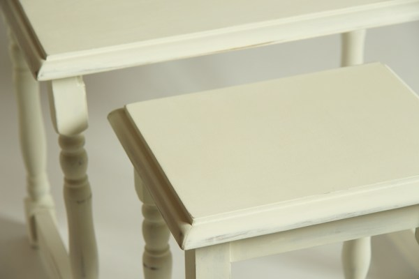 komplet stolików farby kredowe
