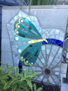Mosaic Garden Apts Planters 09