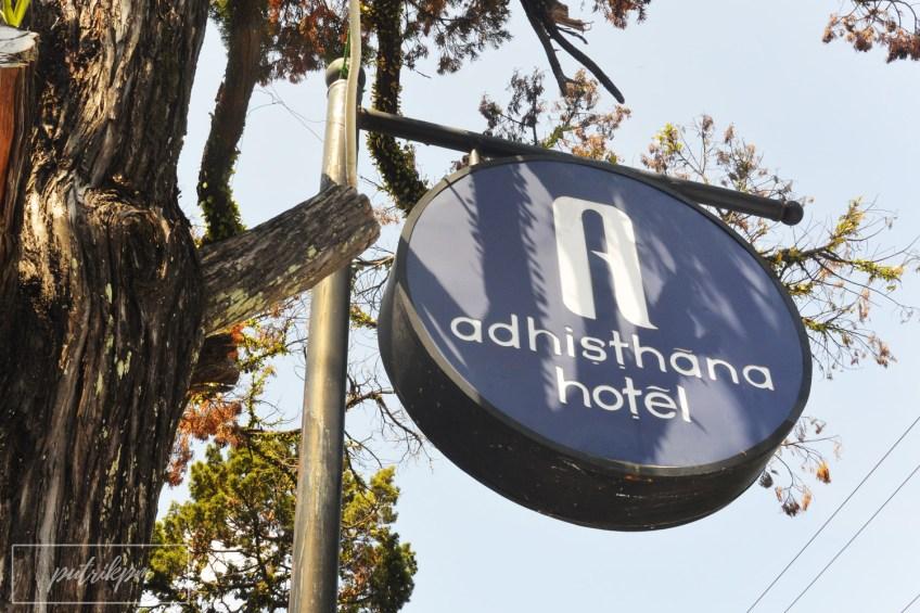 Adhisthana Hotel sign - Delapankata