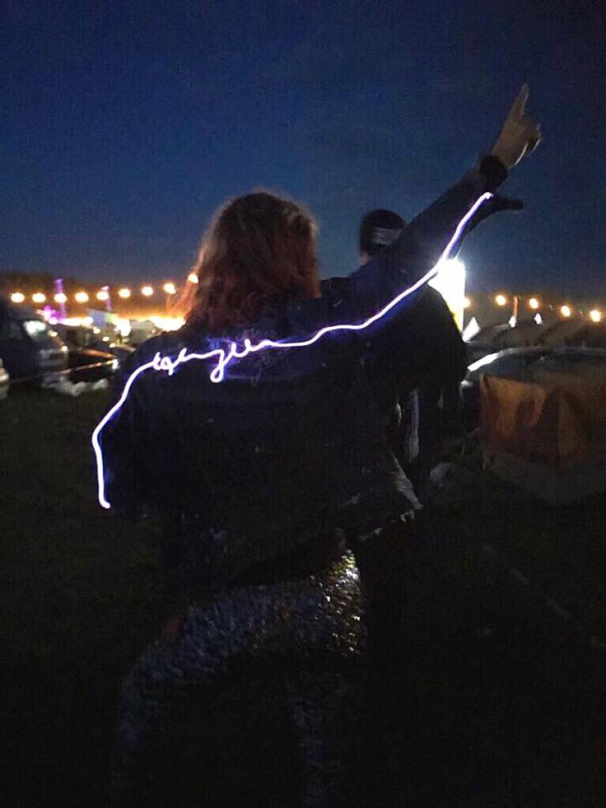 DIY LED LICHTSCHLAUCH GLOW FESTIVAL JACKET