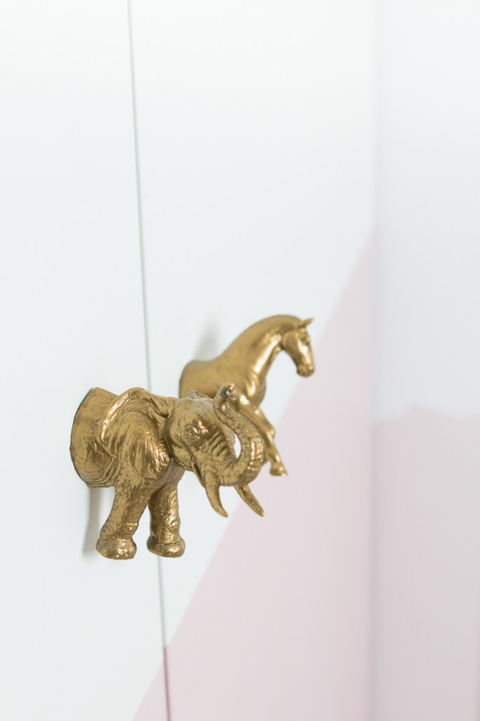 Kinderzimmer Ideen DIY Ikeahack Tiertürgriff Türgriff Schrank