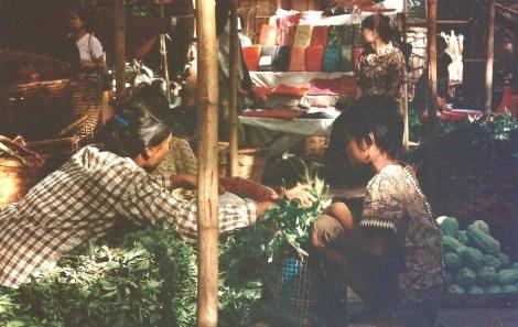 Marché birman 2 (octobre 2005)