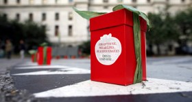 Muir Glen and Local Food Trucks Sum Pig and Street Food Philly Give the Gift of Delicious Tomatoes to Philadelphia