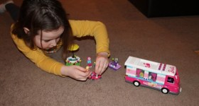 Mega Bloks Barbie Build 'N Play Luxe Camper {Review}