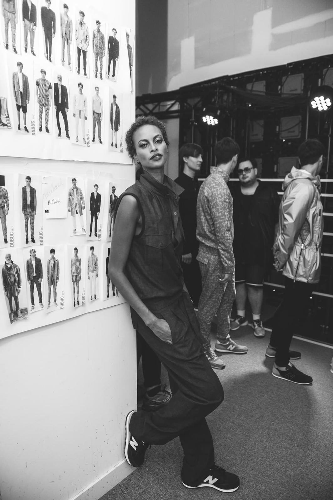 Yasmin_Warsame_backstage_Phillipe_Dubuc_photo_Brian_de_Rivera_Simon-TOM_FW-SS16
