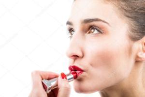 La barra de labios, el rimel, exclusivo de los labios