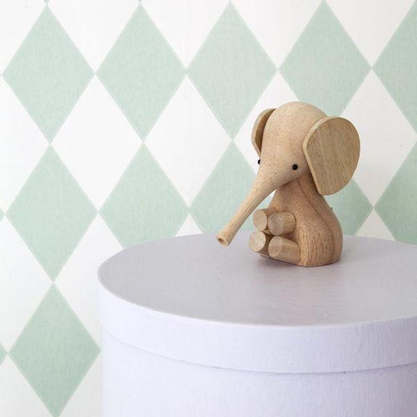 Elefante de madera diseñado por Gunnar Florning para Lucie Kaas