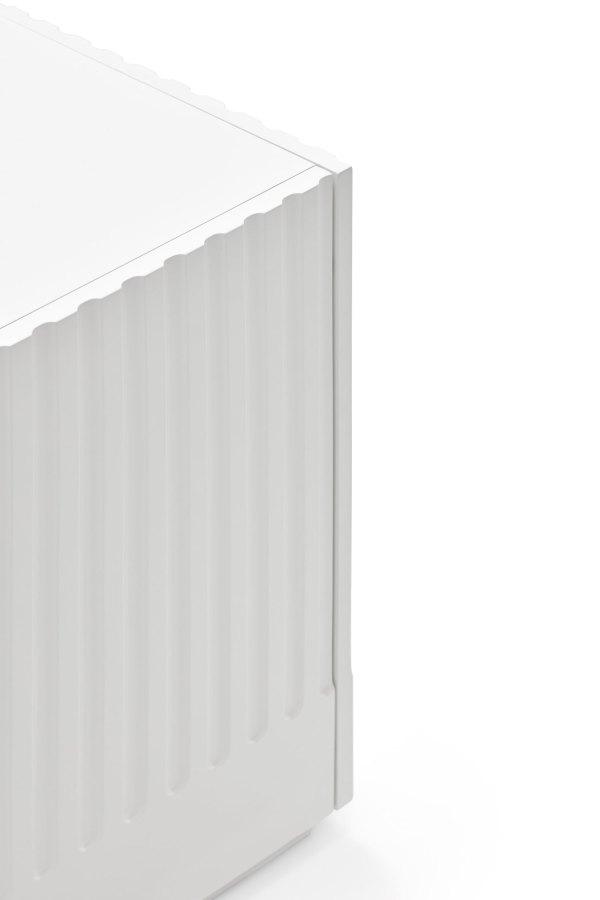detalle aparador Doric 4 puertas y 4 cajones de Teulat en blanco