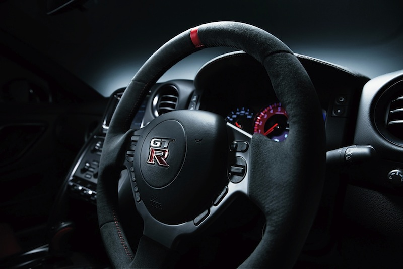 600-hp-nissan-gt-r-nismo-officially-reveal-photo-gallery-1080p-7