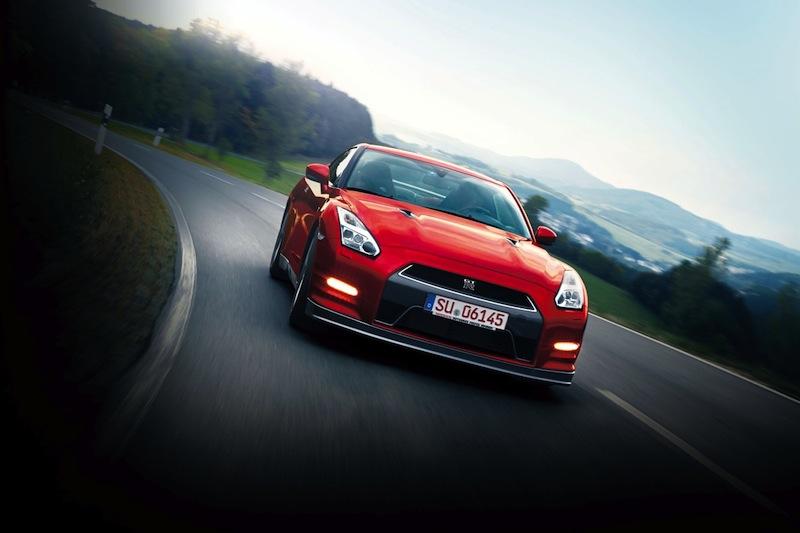 Nissan_GTR_2014_001
