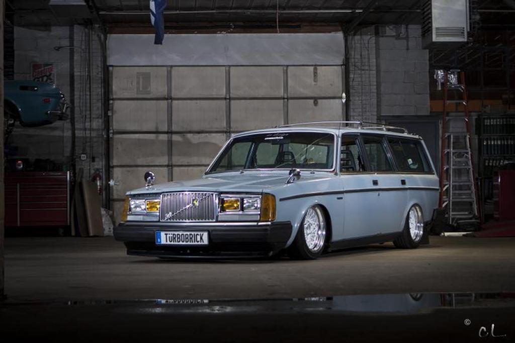 Low Volvo 240 … Turbobrick en Airlift