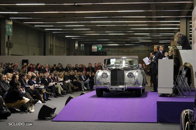 Vente-Artcurial-Retromobile-2011-900x600