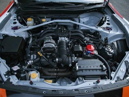 Toyota_GT86_Griffon_TRD-engine_3871