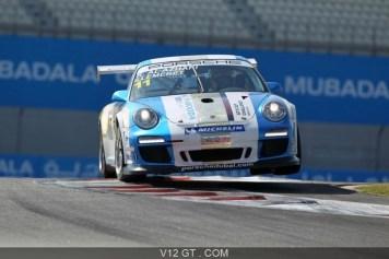 Porsche-997-GT3-RSR-blanc-bleu-3-4-avant-droit_zoom