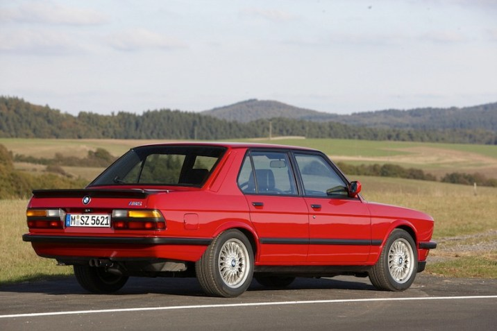 40_DLEDMV_BMW_M5_30ans_