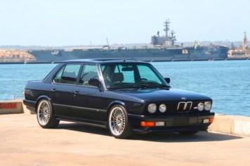 60_DLEDMV_BMW_M5_30ans_