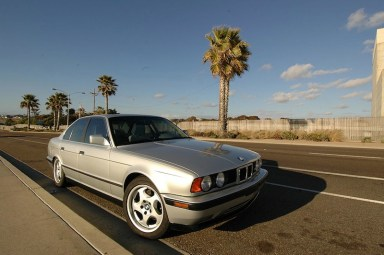 80_DLEDMV_BMW_M5_30ans_