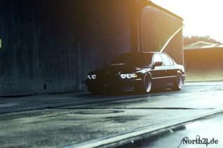 DLEDMV_BMW_740_E38_Black_beauty_30