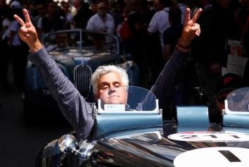 Mille Miglia, corsa d'auto storiche: la punzonatura a Brescia