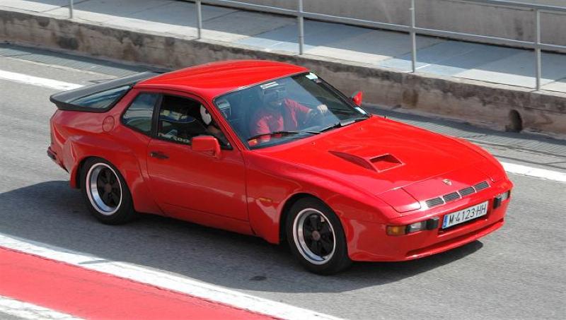 DLEDMV_Porsche_924_CarreraGT_001