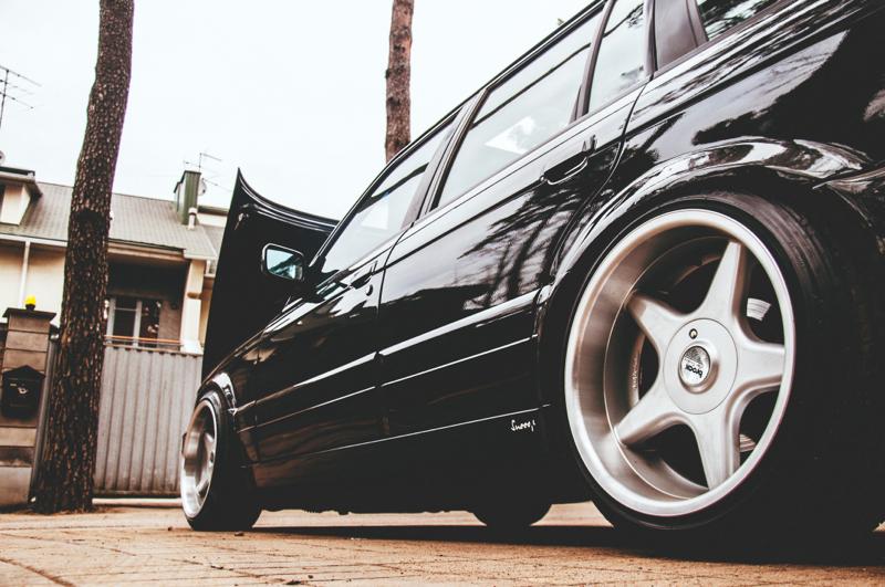 DLEDMV_BMW_E30_Touring_Swap_V8_009
