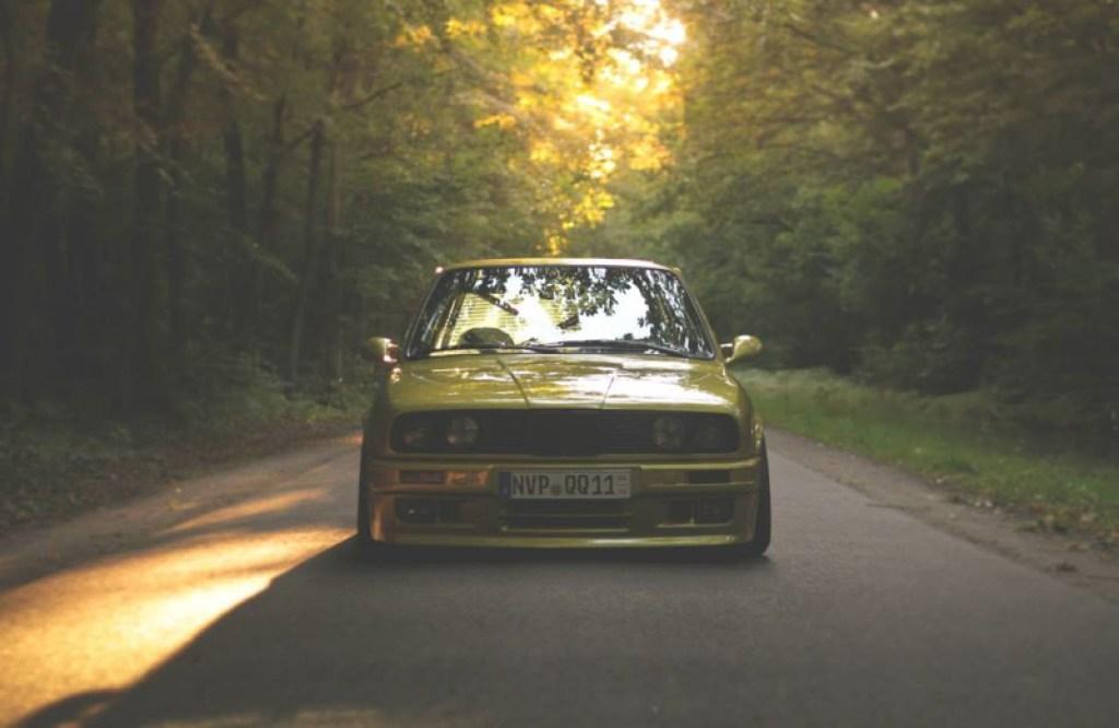 DLEDMV BMW 320i E30 Millenium Stance03
