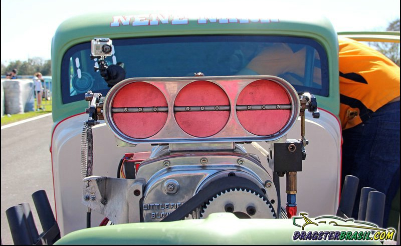 DLEDMV Ford 34 Burn Out NHRA nene02