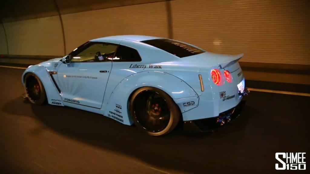 DLEDMV Liberty Walk & Armytrix Nissan GTR R35 006