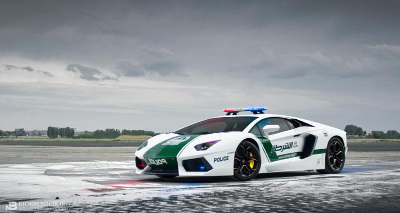 DLEDMV Police Dubai Supercars 01