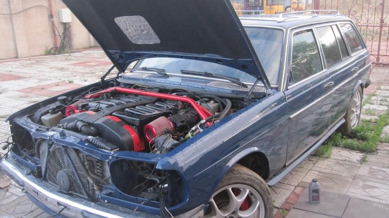 DLEDMV - Mercedes W123 Wagon swap V12 Pagani - 06