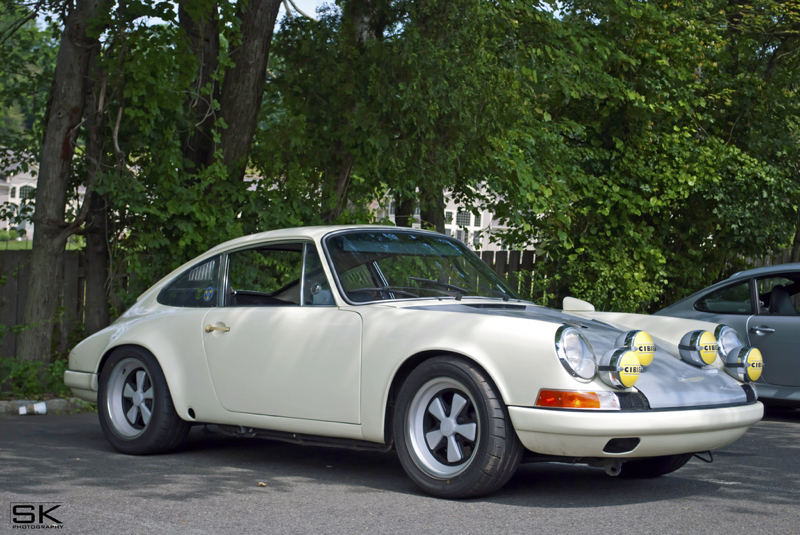 DLEDMV - Porsche 911 backdate R - 01