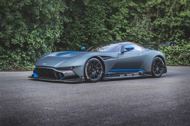 DLEDMV - Aston Martin Vulcan on track - 03